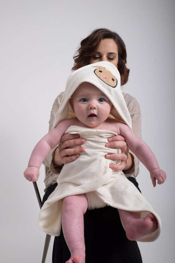 Soft organic cotton baby towel with hood.-550